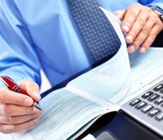 4 Reasons to Study an Online Accounting Degree While Working on a Cruise Ship