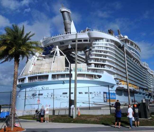 Bahamas Paradise Provides Assistance for Displaced Royal Caribbean Crew
